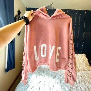 LOVE Cropped hoodie